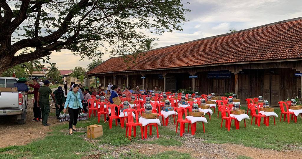 rock-foundation-cambodia-community-outreach-rice-relief-covid-19
