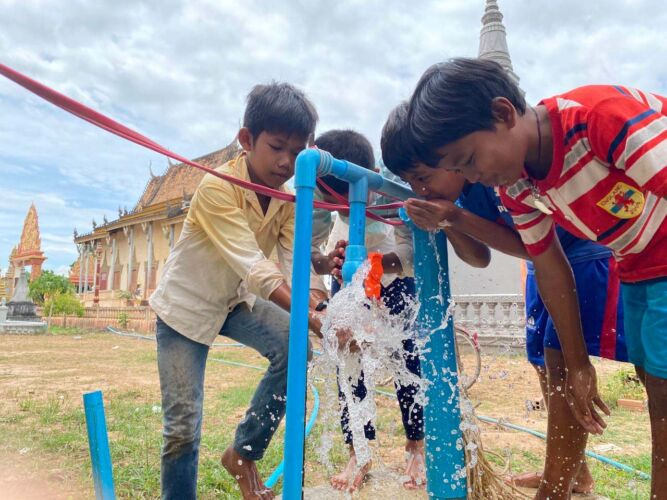 rock-foundation-cambodia-fresh-water-wells-children